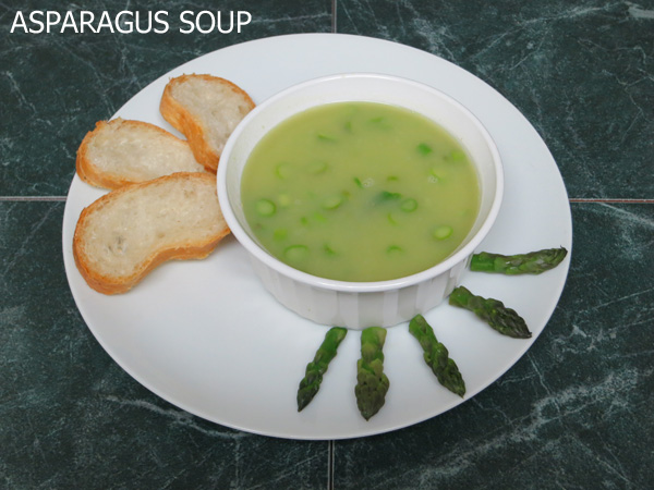 Fresh Asparagus Soup | theotterchef